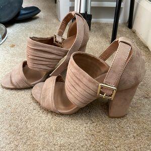 Size 6 tan shoes
